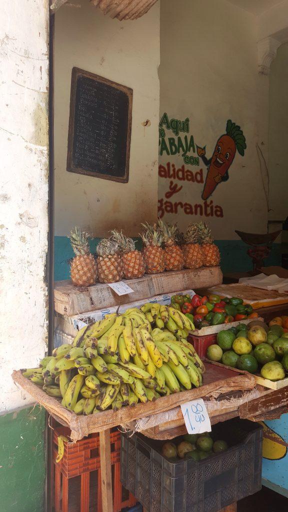 Fruit stall Havana